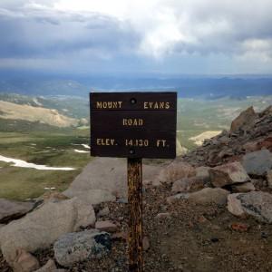 mount-evans-road